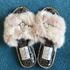 Shoes - Brand New fuzzy slippers